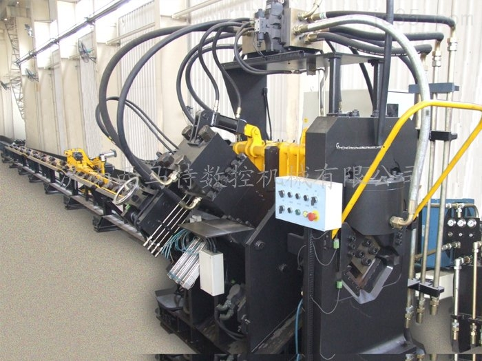 西马特JHC型数控角钢冲孔生产线