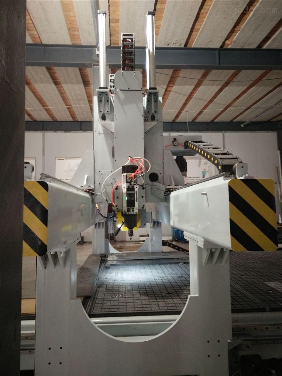 五轴锯三轴铣数控型材加工中心-青岛型材加工中心