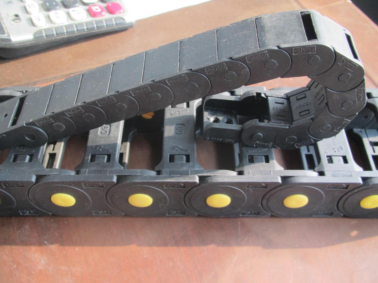 注塑机工程穿线尼龙拖链产品图